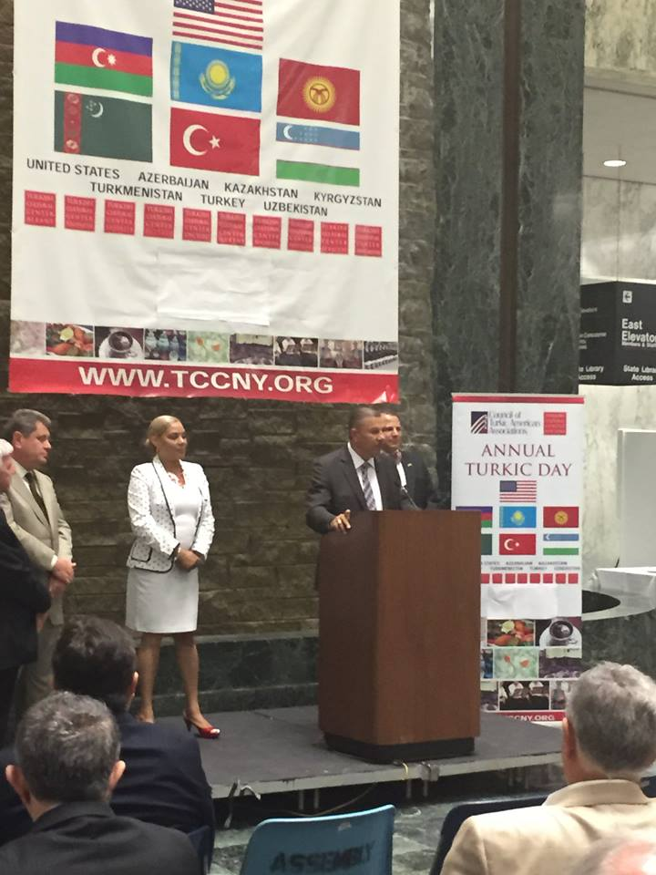 Assemblyman Ramos thanks the Turkic community for their contributions to NYS during the 10th Annual Turkic Day in Albany.