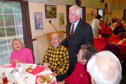 Assemblyman Charles Lavine joined the Glen Cove Senior Center at their holiday lunch.