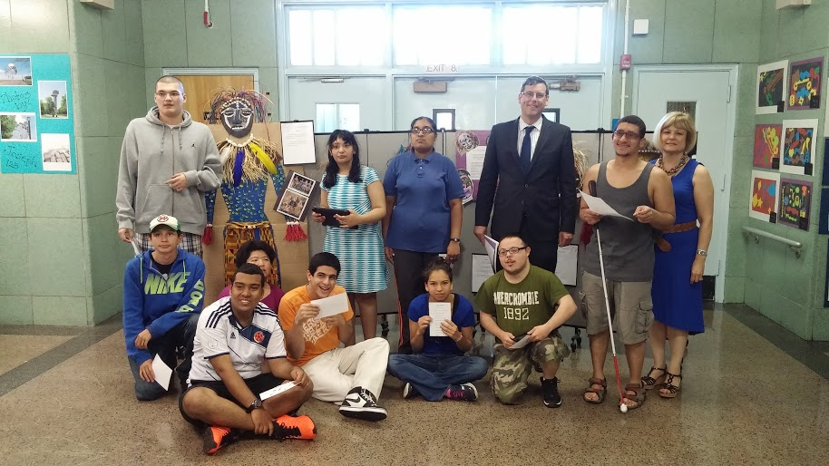 On May 29, 2015, Assemblyman Braunstein attended the PS 811Q Art Gallery Show in Douglaston. Assemblyman Braunstein is pictured with art teacher Alice Anasa and students whose work was displayed.