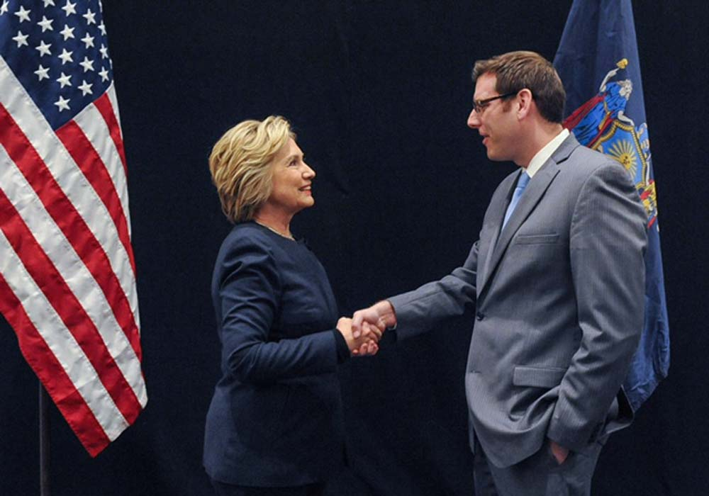 On April 4, 2016, Assemblyman Braunstein met former Secretary of State Hillary Clinton when she visited with members of the State Legislature in Albany.
