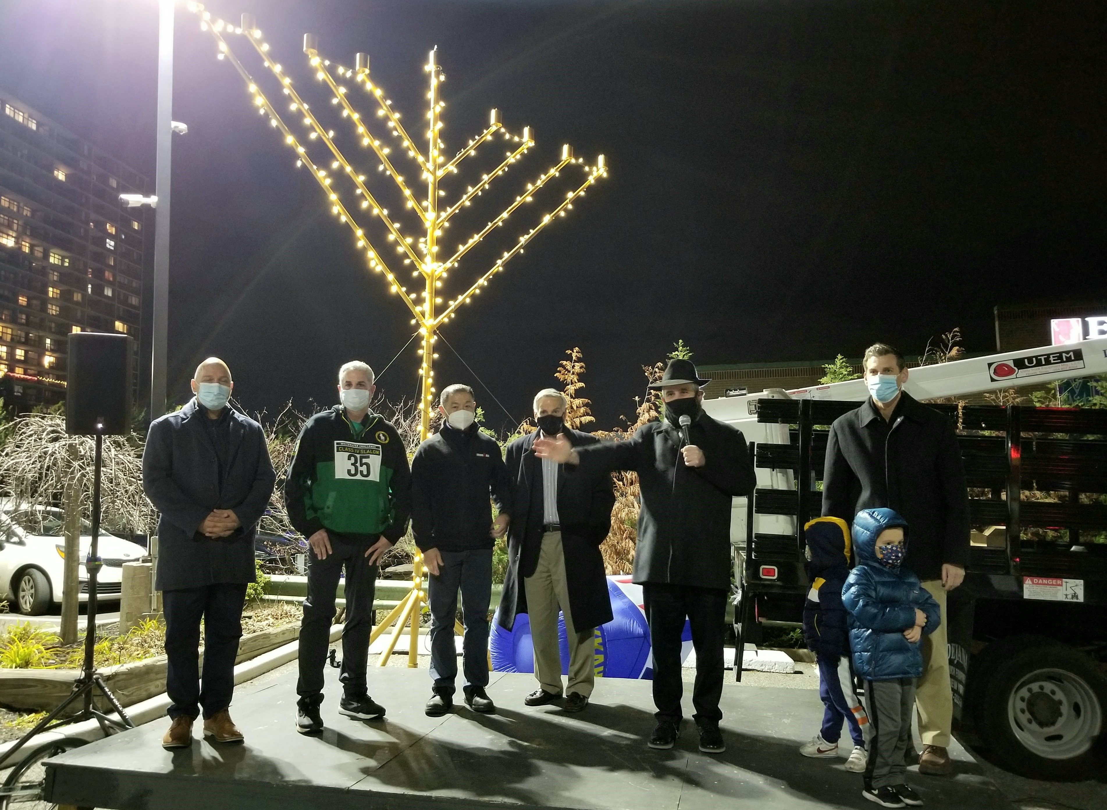 On December 13, 2020, Assemblyman Braunstein attended the Chabad of Northeast Queens Annual Menorah Lighting at the Bay Terrace Shopping Center.