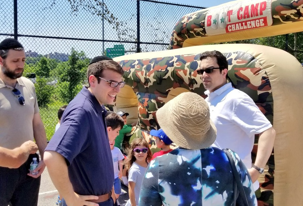 Assemblymember Daniel Rosenthal had a great time with friends and neighbors at Kew Gardens Hills Family Day.