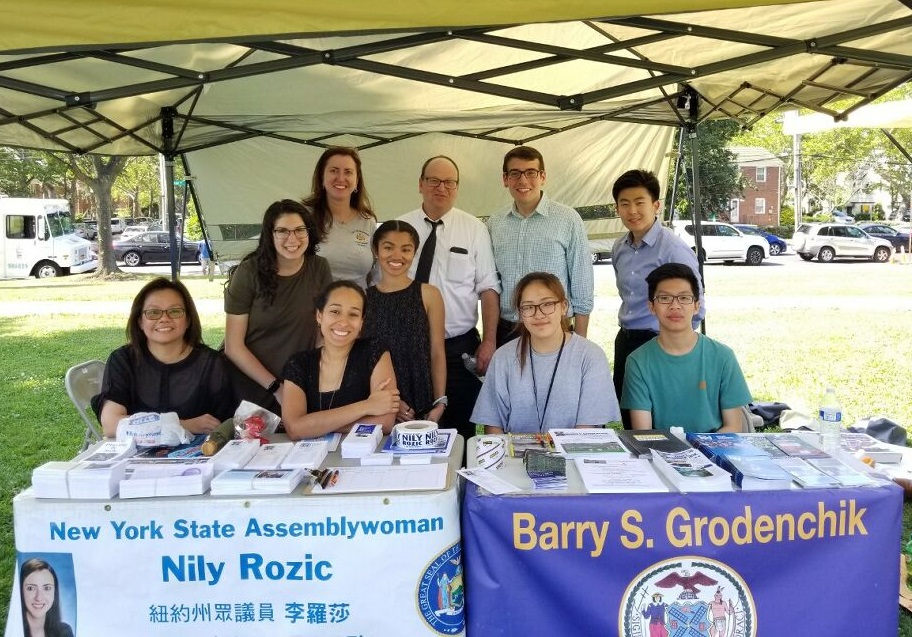 Assemblymember Daniel Rosenthal was happy to co-sponsor Queens Community Board 8's Health Fair.