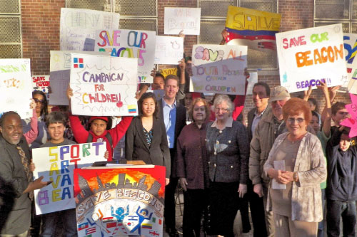 Assemblyman Hevesi and local elected officials rally to protest the closing of Queens Community House Beacon at Russell Sage JHS 190.