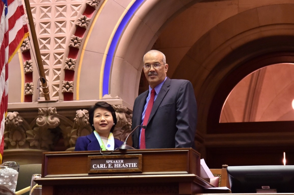 Assemblyman Aubry welcomes Ambassador Lily L. W. Hsu, Director General, Taipei Economic & Cultural Office, to the NYS Assembly Chamber.<br />