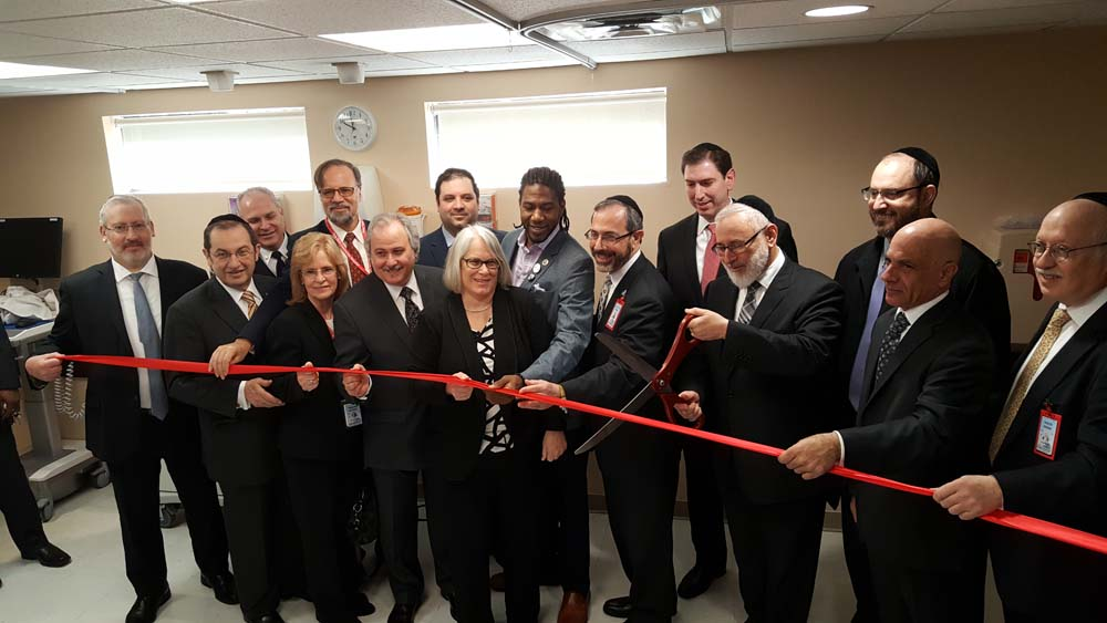 Assemblywoman Weinstein joined administrators and medical professionals at Community Hospital as they celebrated the grand opening of their expanded Emergency Room. Others in attendance were Senator Simcha Felder, Councilmembers Chaim Deutsch and Jumaane Williams, Community Hospital CEO, Barry Stern and Community Hospital Trustee, Shea Rubenstein.