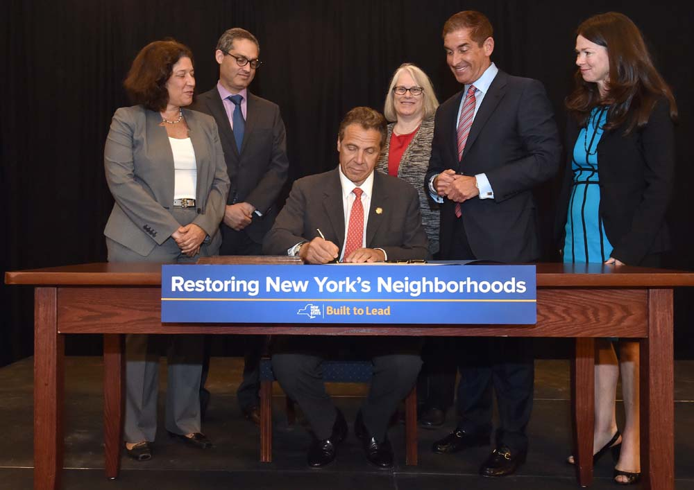 Assemblywoman Weinstein joined Governor Cuomo as he signed into law the Assemblywoman's legislation, which will force banks and lenders to maintain �zombie� properties before and during the foreclosure process and minimize the negative effects these vacant homes can have on their communities and city resources.