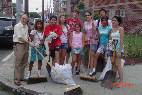 Assemblyman Colton organizes a neighborhood clean-up with various youth organizations