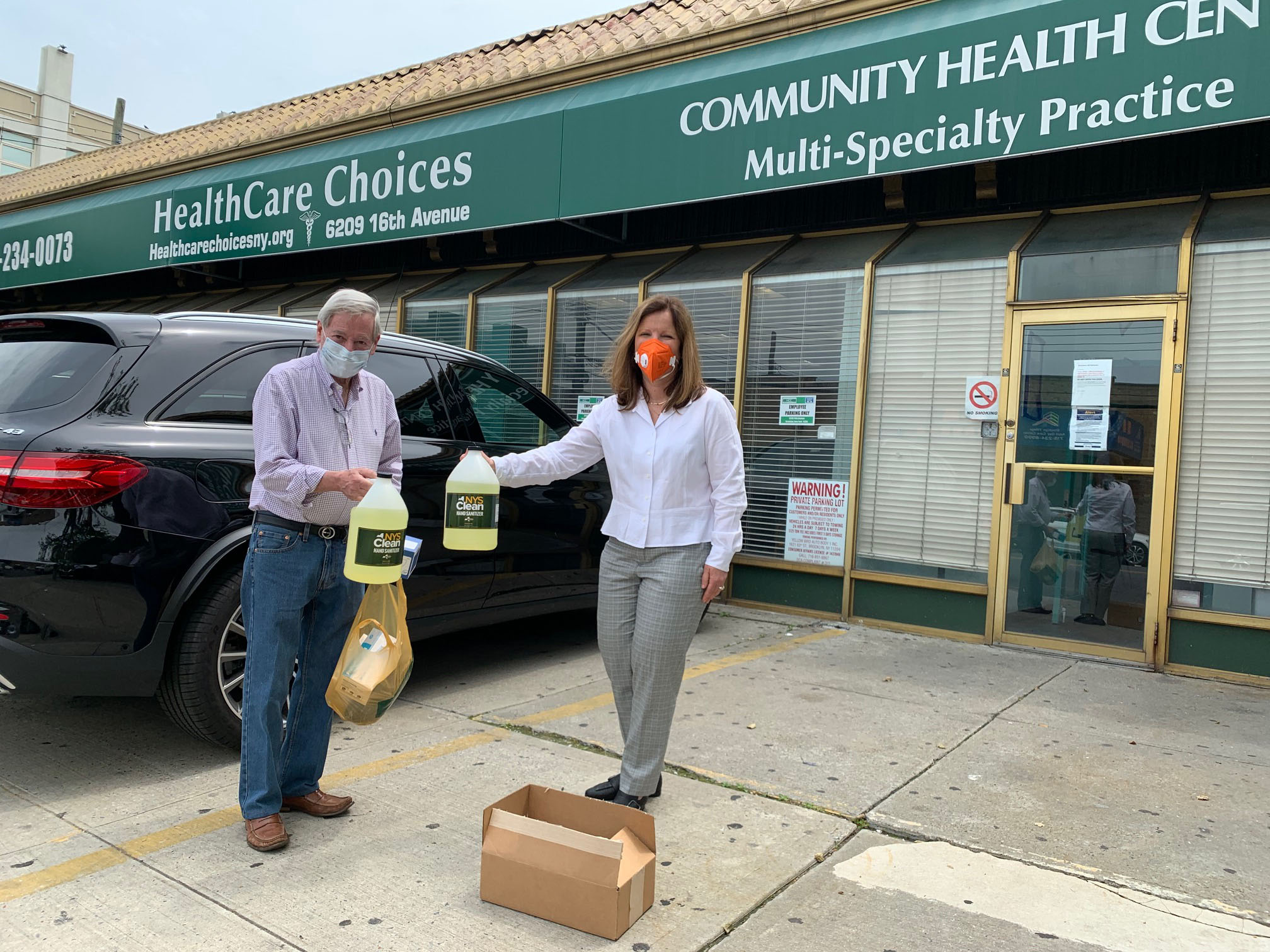 Assemblyman Abbate delivers masks and hand sanitizer, during the COVID-19 pandemic, to our local Community Health Center.