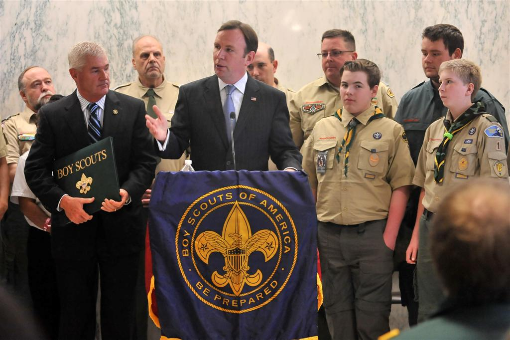 Assemblyman Cusick speaks to Boy Scouts who were visiting the State Capitol. -May 2014