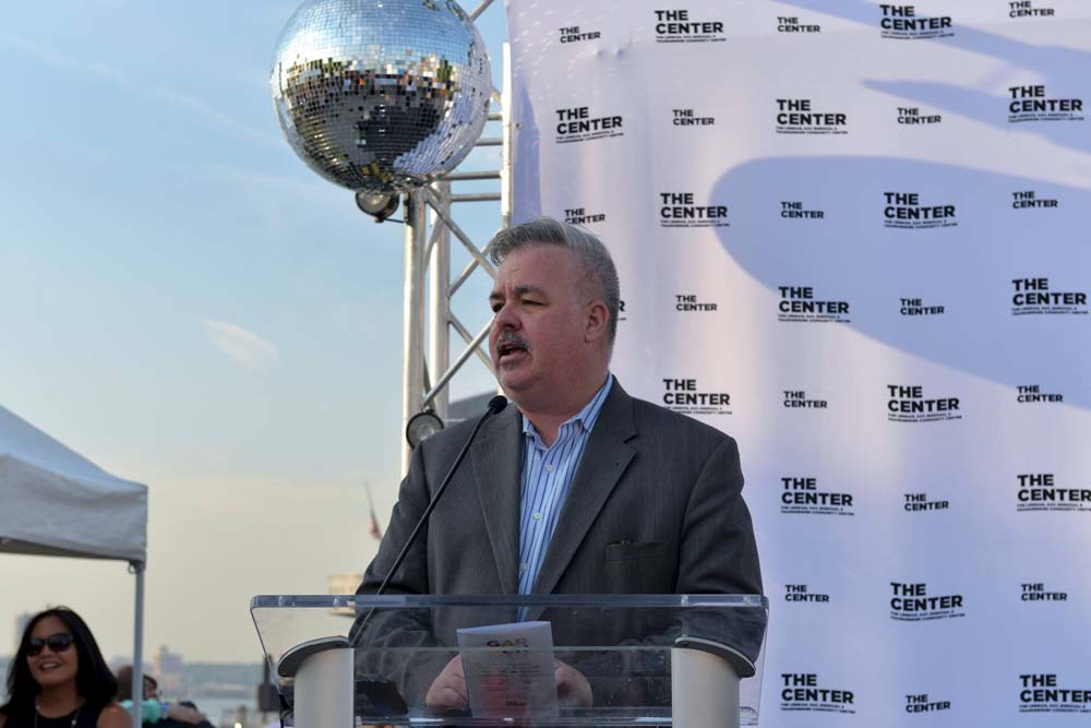 Assemblymember O'Donnell addresses the audience at The Lesbian, Gay, Bisexual & Transgender Community Center's Annual Gala.