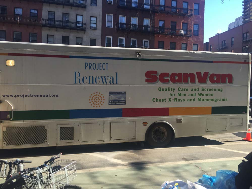 Last year, 4 out of 10 uninsured women did not receive a mammogram. Assembly Member Seawright sponsored a ScanVan for free mammograms this week. ScanVan is the country's first mobile mammography and radiology clinic for homeless and uninsured adults. Thanks to their work, every year thousands of low income women are screened for breast cancer regardless of insurance or legal status. Deepest thanks and appreciation to Project Renewal staff for providing these vital screenings to the residents of the 76th District for one day.