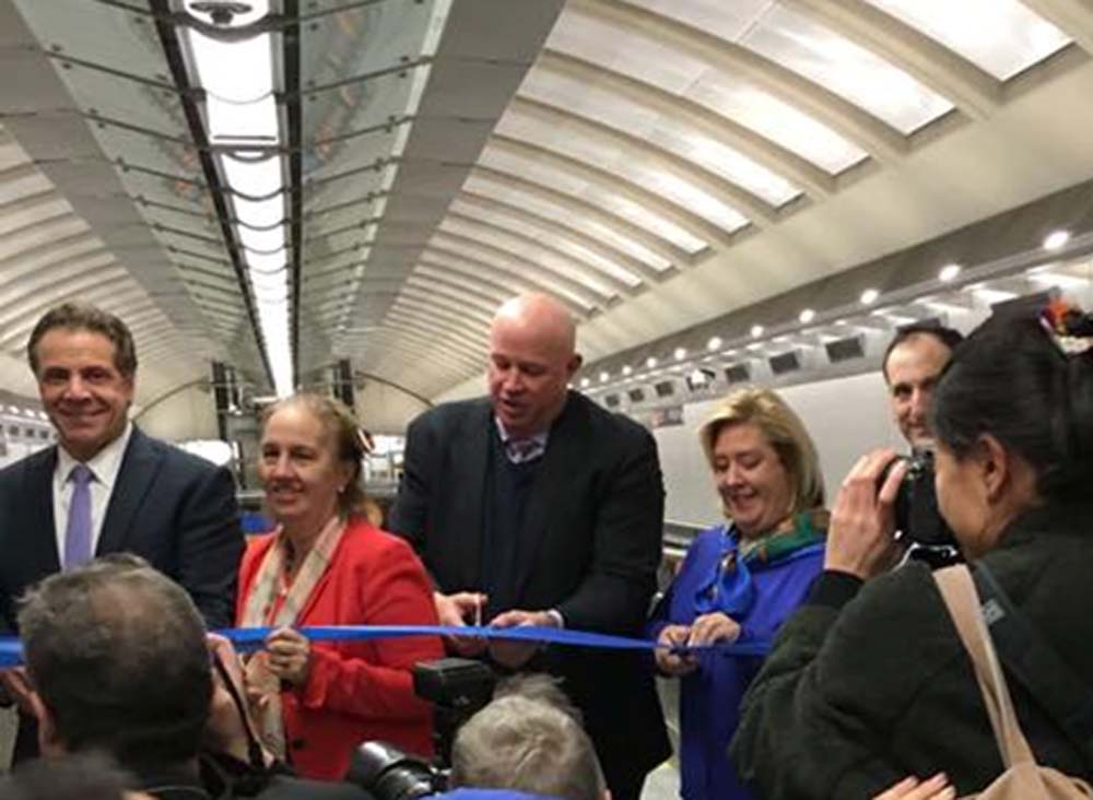 On Friday, December 30, 2016 Assembly Member Seawright attended the opening of the 86th Street Second Avenue Subway station with Governor Andrew Cuomo, MTA Chairman Thomas Prendergast and other elected officials.<br />