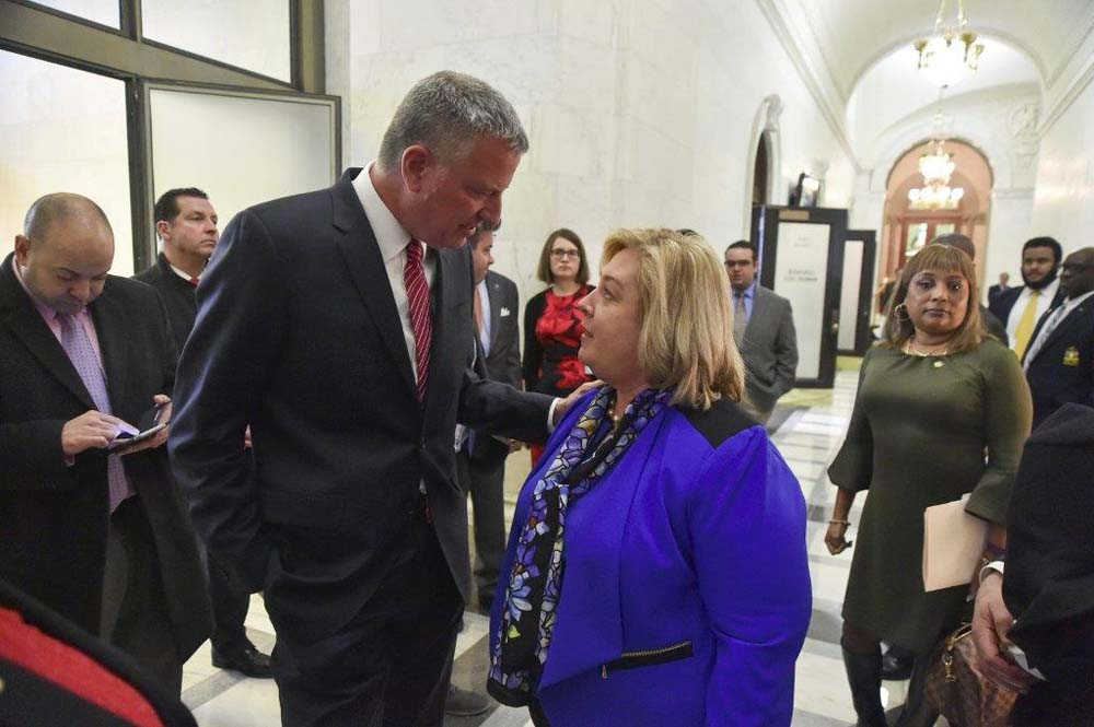 March 21, 2017 – Assembly Member Seawright Discusses Funding for Senior Centers with Mayor de Blasio.<br />