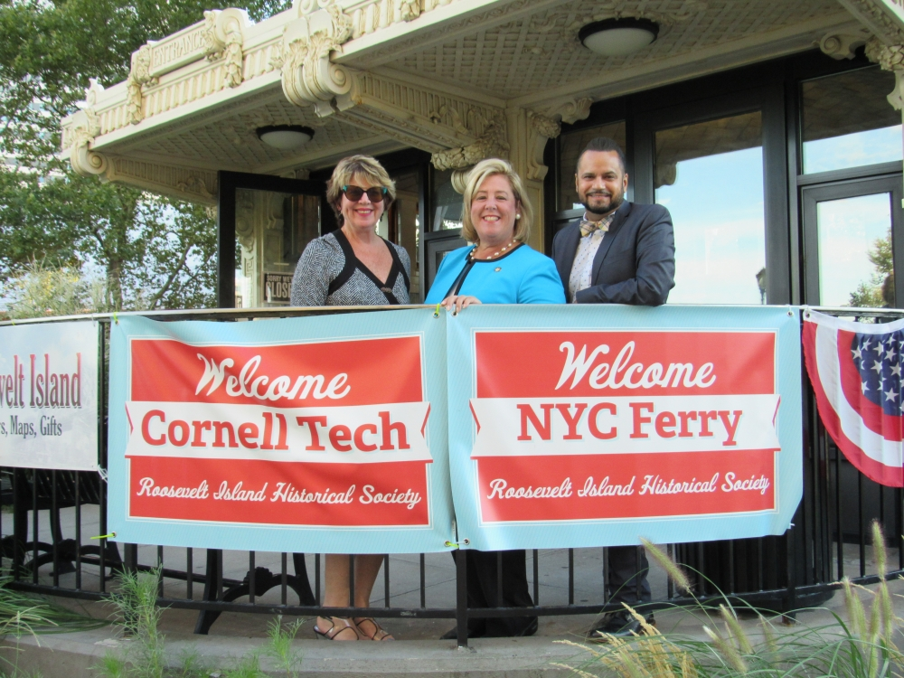 On Wednesday, August 23, Assembly Member Seawright along with Roosevelt Island Operating Corporation, State Senator Jose Serrano, Deputy Manhattan Borough President Matthew Washington, and Council Member Ben Kallos introduced Roosevelt Island community members to the New York City Ferry.  Roosevelt Island will serve as one of the new ferry landings on the Astoria route, launching next week on Tuesday, August 29.  Contact our office for reduced fare applications. RIOC President and CEO Susan Rosenthal, Assembly Member Rebecca A. Seawright and Senator Jose Serrano visit the kiosk where the NYC Economic Development Corporation has been providing ferry information to residents and visitors of the Island. <br />