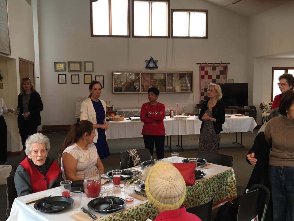 Assemblywoman Amy Paulin handed out holiday cookies to the Scarsdale Seniors.