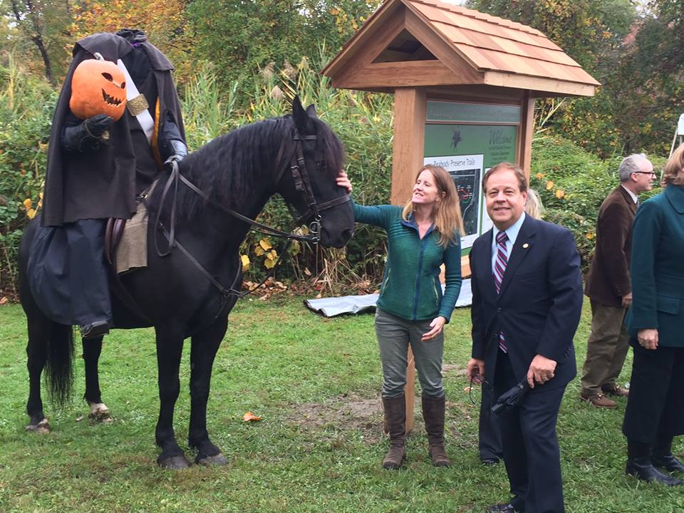 Peabody Preserve: Assemblyman Abinanti attended the Peabody Preserve Outdoor Classroom ribbon cutting event in Sleepy Hollow.