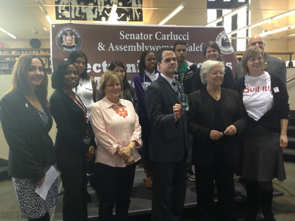 Sandy and Senator David Carlucci joined forces today with students, community leaders and anti-tobacco advocates to call for greater regulation of e-cigarettes. More than ever, teenagers are starting