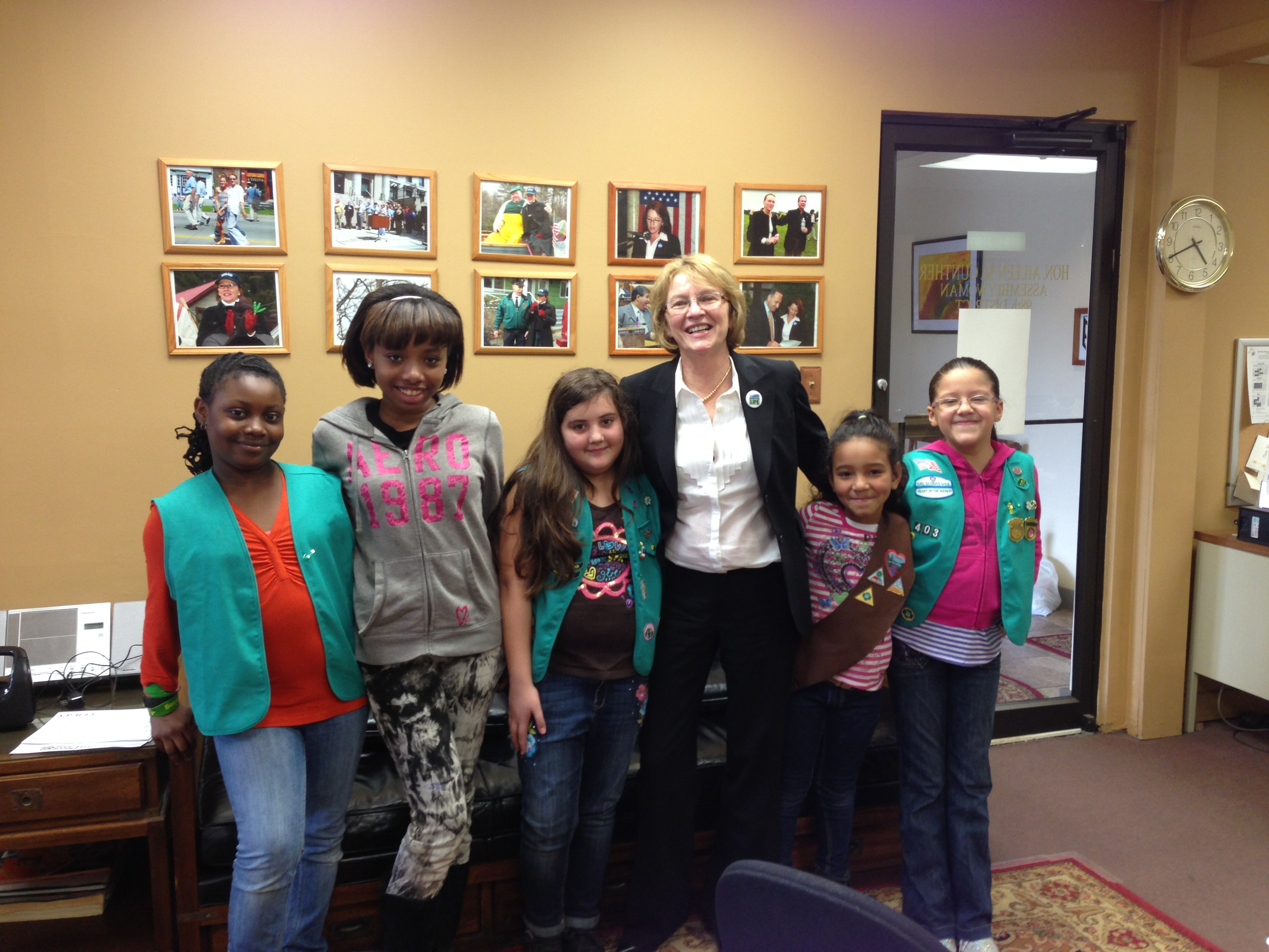 Brownie Troop 737, Junior Troop 403 and Cadets Troop 203 from Girl Scouts Heart of the Hudson visited Aileen in her District Office.  The young women spent time discussing New York State government to earn their �Inside Government� and �Government Fun� patches.