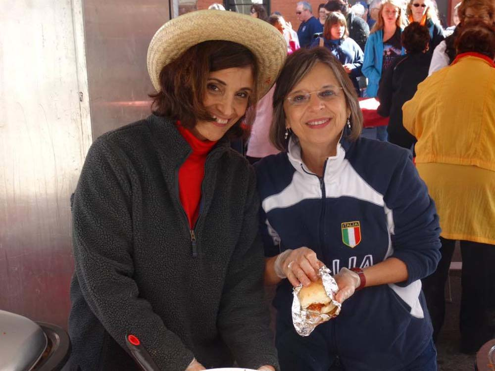 October 10, 2016 – Assemblywoman Lupardo volunteers with the Sons of Italy Ladies' Lodge at the Binghamton Columbus Day parade.