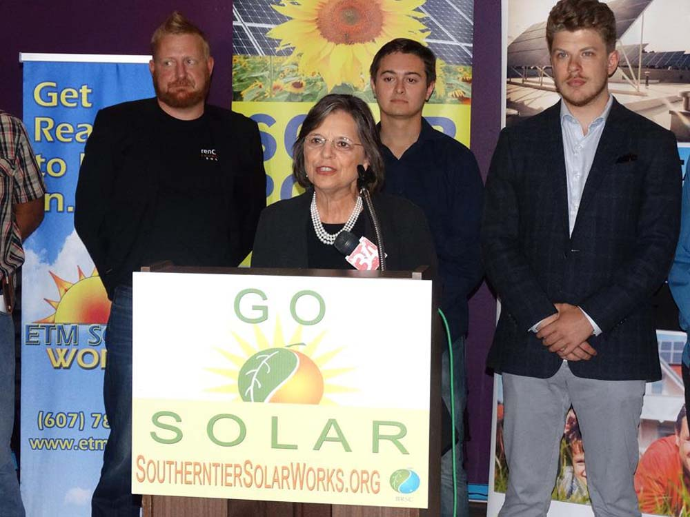 September 14, 2016 – Assemblywoman Lupardo joins Southern Tier Solar Works as they announced their fall series of solar workshops and home tours.
