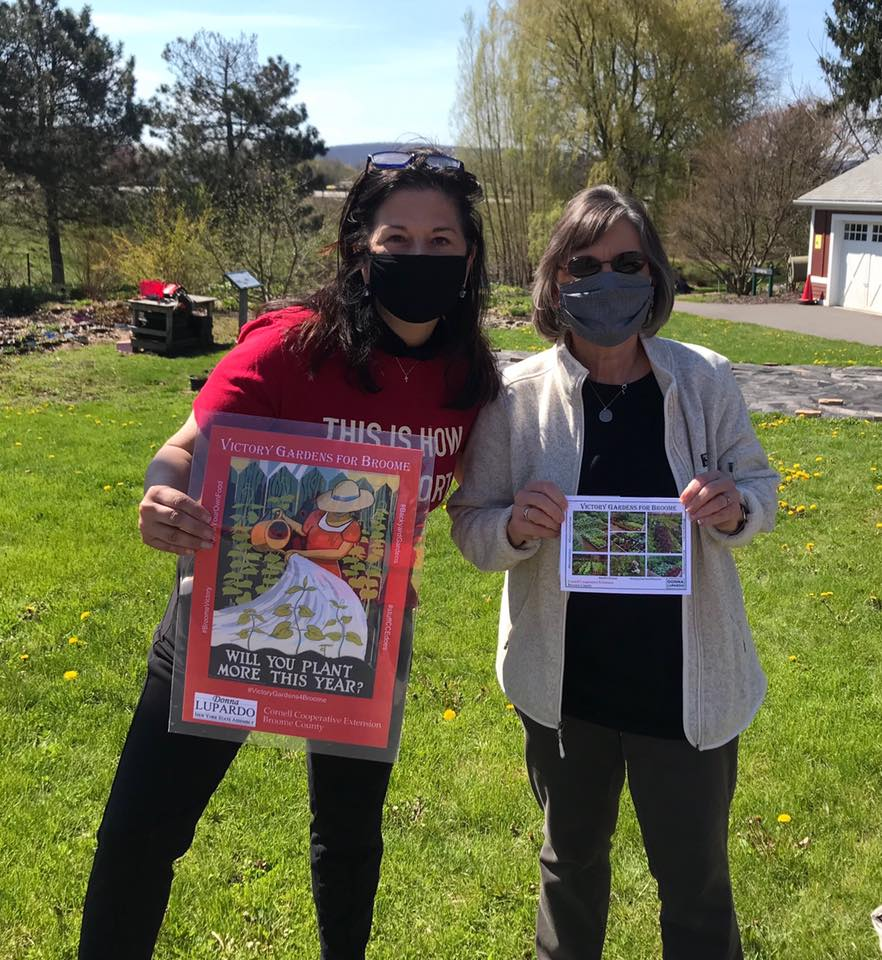 May 2, 2020 – Assemblywoman Lupardo and Victoria Giarratano from Cornell Cooperative Extension distribute seed packets and information for Victory Gardens for Broome.